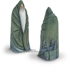 Nice simple carving lines -- nice cloak decor Dremel Carving, Carving Wood, Wood Sculpture, Sculptures, Noel Christmas, Christmas Crafts, Dad Crafts, Chip Carving, Curious Creatures