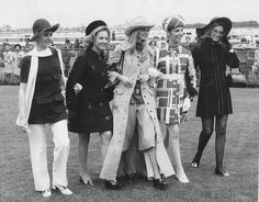 Derby Day Fashions on the Field winners with one of the judges, British model Maudie James (centre), at Flemington, November Derby Day Fashion, Race Day Fashion, 70s Fashion, Fashion Models, Vintage Fashion, Australian Models, Australian Fashion, Carnival Fashion, Jennifer Hawkins