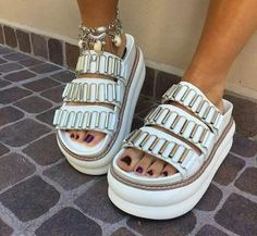 Sandals Outfit, Shoes Sandals, Funky Shoes, Dream Shoes, Platform Shoes, Shoe Game, Chunky Heels, Boho, Me Too Shoes