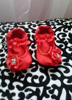 Becoming Martha: The Ruby Red Slippers. Great tutorial on how to make ballet flats for a little one.
