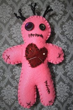 Items similar to Voodoo doll-Pink felt voodoo doll-Dark doll-Zombie doll-Dark decor-Handmade felt doll-Cute creepy doll-VooDoo plushie-button eye doll on Etsy Halloween Doll, Halloween Ornaments, Felt Ornaments, Halloween Crafts, Ugly Dolls, Creepy Dolls, Diy Voodoo Dolls, Felt Crafts, Fabric Crafts