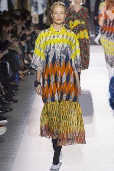 #DriesVanNoten  #fashion  #Koshchenets    Dries Van Noten Fall 2017 Ready-to-Wear Collection Photos - Vogue