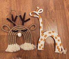 Macrame Wall Hanging Diy, Macrame Art, Macrame Design, Macrame Projects, Rope Crafts, Diy Home Crafts, Yarn Crafts, Baby Room Diy, Macrame Patterns