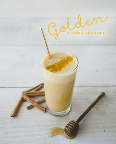 The Kitchy Kitchen Breakfast Smoothies, Healthy Smoothies, Healthy Drinks, Smoothie Recipes, Drink Recipes, Healthy Snacks, Turmeric Smoothie, Juice Smoothie, Good Healthy Recipes