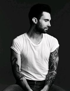 World Famous Celebrities: Adam Levine and Full Tattoos on his body