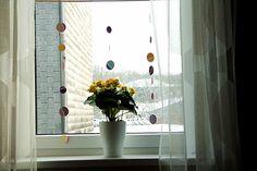 Pünktchenvorhang aus Farbkarten