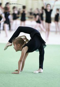 This little girl is like 3 and I'm 12 and I can't do that!! What is going on?!