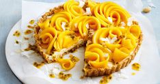 Lighten up your dessert plate using fresh fruit and nuts, with this healthier creamy macadamia, mango and coconut tart. Coconut Tart, Toasted Coconut, No Cook Desserts, Easy Desserts, Dessert Recipes, Summer Desserts, Vegan Desserts, Delicious Desserts, Healthy Christmas Recipes