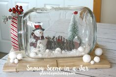 Get all of your crafts with jars in one place. Mason jars crafts, recycled jar crafts, plus many more crafts with jars. Rustic Christmas Crafts, Western Christmas, Diy Christmas Ornaments, Holiday Crafts, Christmas Decorations, Christmas Ideas, Holiday Decorating, Country Christmas, Christmas Tables