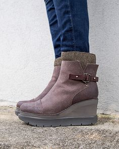 1aa59fa4f982 DESCEND in CHARCOAL GREY Mid-Shaft Boots