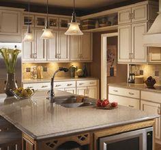 Mit Silestone Arbeitsplatten eröffnet sich eine große Vielfalt an Gestaltungsmöglichkeiten. In über 60 verschiedenen Farben und mit unterschiedlichen Oberflächenstrukturen erhältlich sind sie der ideale Kombinationspartner für praktisch jeden Einrichtungsstil.
