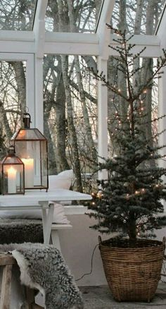 32 Lovely Winter Theme Decor Ideas After Christmas - Holiday sales don't end just because Christmas is over. In fact, the week after Christmas is becoming a prime time for both retailers and shoppers. Decoration Christmas, Farmhouse Christmas Decor, Rustic Christmas, Cottage Christmas, Modern Christmas, French Country Christmas, Danish Christmas, Christmas Landscape, Beautiful Christmas