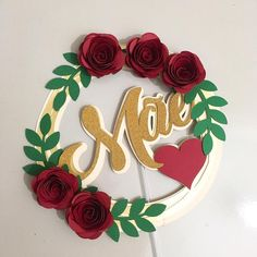 Discover recipes, home ideas, style inspiration and other ideas to try. Diy Cake Topper, Cake Toppers, Diy And Crafts, Crafts For Kids, Paper Crafts, Diy Birthday, Birthday Cake, Handmade Gift Tags, Ideas Para Fiestas