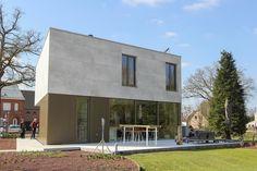 Inspiratie & realisaties aluminium gevelbekleding — Mato Modern Garage Doors, Store Fronts, Building, Interior, Outdoor Decor, House, Design, Home Decor, Wood