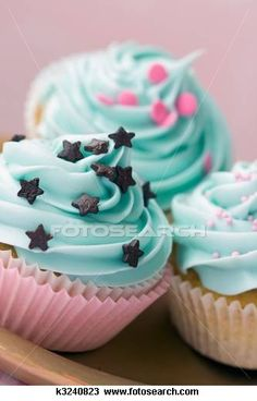 I like the color of the icing :)
