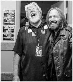 Tom Petty Visits Bob Seger Backstage At The DTE Energy Music Theater Detroit Michigan 2014 Music Love, Rock Music, My Music, Bob Seger, Rock N Roll, Music Theater, Rock Legends, Music Icon, Bob Dylan