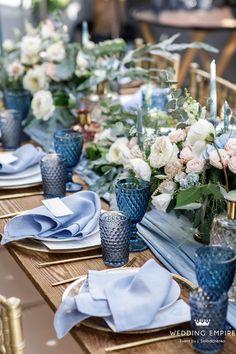Nature of love Wedding Floral Wedding, Wedding Colors, Rustic Wedding, Wedding Flowers, Beautiful Table Settings, Wedding Table Settings, Blue Table Settings, Blue Wedding Receptions, Dusty Blue Weddings