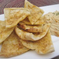Perfect Pita Chips With Pita Pockets, Olive Oil, Garlic Powder, Kosher Salt, Garlic Salt Appetizer Dips, Appetizers For Party, Appetizer Recipes, Snack Recipes, Cooking Recipes, Vegan Recipes, Delicious Recipes, Pita Chips Recipe, Great Recipes