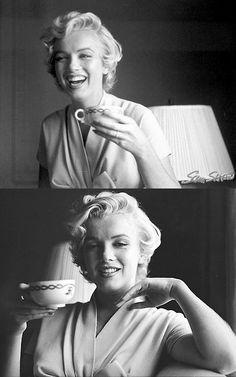 Marilyn Monroe sipping tea*