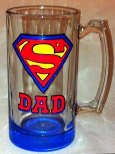 Father's Day Superman Superhero Painted or custom cricut vinyl on Glass Cute Wine Glasses, Hand Painted Wine Glasses, Fathers Day Mugs, Fathers Day Crafts, Vinyl On Glass, Wine Glass Crafts, Glass Beer Mugs, Mugs For Men, Super Dad
