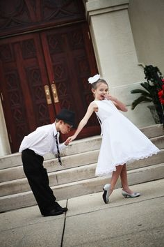 Great picture idea if you could talk the ring bearer into actually doing it.