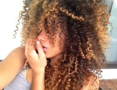 Amazing natural hair, curls, highlights