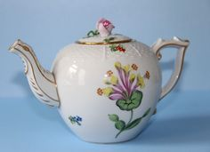 HEREND PORCELAIN Breakfast Teapot     Hand painted Flower and Gilt decorated