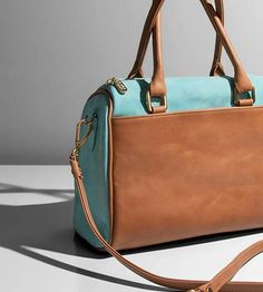 Andante. Build your own Luxury, Italian Leather Custom Purse or Custom Handbag at Laudi Vidni