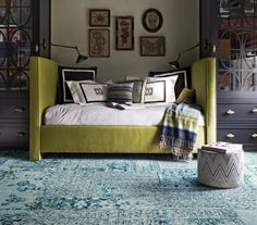 Green couch, blue rug ,interior design, living room, perfect combination of colors! Living Room Carpet, Living Room Decor, Living Spaces, Dining Room, Teal Carpet, Carpet Tiles, Mini Loft, Teal Rug, Turquoise Rug
