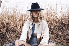|Model: Elyse Knowles| |Photographer: Ren Pidgeon| |Stylist: Paris Johnson| |Hair and Makeup: Karen Burton|