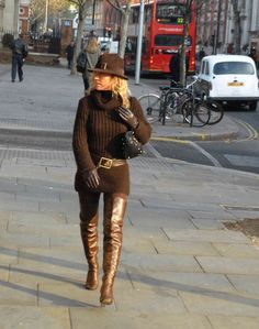 Knee Boots, Gloves, My Style, People, Sweaters, Photography, Dresses, Women, Fashion