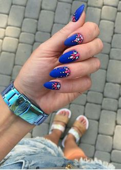 Cool Nail Art Designs Ideas For Fall In 2019 - Nail stickers is the latest trend in nail decoration. These are sold everywhere in the market and are available in various designs and patterns. Love Nails, My Nails, Shellac Nails, Bling Nails, Mexican Nails, Nail Design Spring, Matte Nail Art, Colorful Nail, Manicure E Pedicure