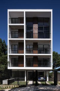 Edificio residencial Quattro / Luciano Lerner Basso (© Marcelo Donadussi)