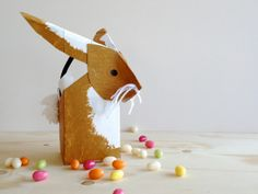 schaeresteipapier:bunny basket made from a milk carton