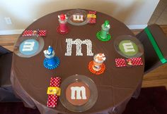 love the table setting for Megan and Molly's 1st birthday.  This website has wonderful ideas.