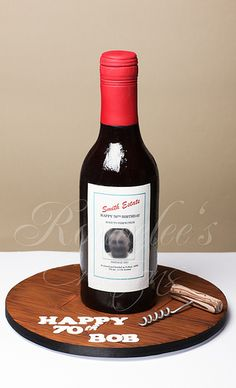 Bottle of Wine Cake Fondant Cakes, Cupcake Cakes, Cupcake Wine, Wine Bottle Cake, Liquor Cake, New Year's Desserts, Cool Cake Designs, Cake Decorating Supplies, Just Cakes