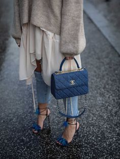 9 Designer Bags Worth the Investment Best Designer bags / fashi. - 9 Designer Bags Worth the Investment Best Designer bags / fashion week street styl - Daily Fashion, Fashion Mode, Love Fashion, Winter Fashion, Fashion Trends, Fashion Spring, Fashion Week, Fashion Details, Style Fashion