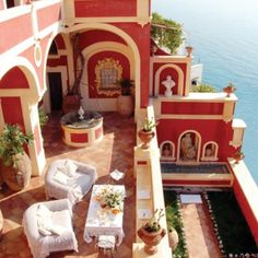 Amalfi Coast stay at this gorgeous hotel in Positano Italy