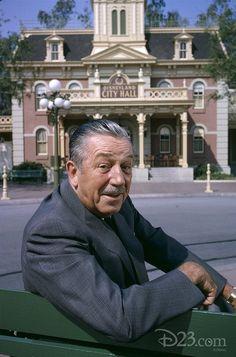 Great pic of Walt at Disneyland.