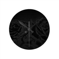 A pair of #roses in black #wanduhr  SUPER #WEEKEND: Bis zu 65% #Rabatt!   Nur dieses #Wochenende!   #Gutscheincode: ZUPERWEEKEND