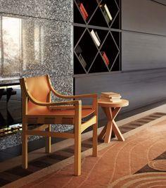 SACCO lounge chair : イタリア・フリウリ州、片田舎の家具工場に長年使用された椅子が密かに置かれていました。モダン家具の生産工場の片隅に置かれていたこの椅子は嘗てこの会社が1960年代に生産していた椅子であり、時代の流れと共に廃番となった椅子でした。モダンで時代を先取りする様な家具だけでなく、語り継ぐべく家具として私達は復刻させる意義を感じ生産を再開させることにしました。長く受け継ぐ家具を作り続けることが私達共通の思いでもあります。