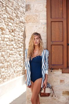 loving this beachwear look!