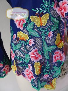 Size L: High Quality Peranakan Nyonya Kebaya. Flower motif | Etsy Cutwork Blouse Designs, Embroidery Neck Designs, Cutwork Embroidery, Embroidery Suits Design, Bridal Blouse Designs, Cutwork Saree, Embroidery Suits Punjabi, Maggam Work Designs, Designer Party Wear Dresses