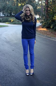 Best Athleisure Outfits Part 31 Cobalt Pants Outfit, Cobalt Blue Pants, Royal Blue Outfits, Blue Jean Outfits, Fall Outfits, Casual Outfits, Cute Outfits, 30 Outfits, Work Outfits