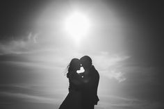 """""""Y cuando la montaña de la vida nos sea dura y larga y alta y llena de abismos, amar la inmensidad que es de amor encendida !y arder en la fusión de nuestros pechos mismos! (Rubén Darío)  #postboda #ttd #coruña #boda #wedding #weddingphotographer #weddingphotography #lookslikefilm #vsco #fotografodebodas #susorivas"""