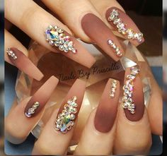 Head over Heels - 30 Beautiful Diamond Nail Art Designs Dope Nails, Glam Nails, Fancy Nails, Bling Nails, Beauty Nails, Bling Wedding Nails, Wedding Manicure, Diamond Nail Designs, Diamond Nail Art
