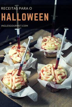 Halloween Recipe: Brain Cupcakes - Travel Cook Tell Halloween Cupcakes, Halloween Desserts, Plat Halloween, Halloween Food For Adults, Postres Halloween, Recetas Halloween, Creepy Halloween Food, Hallowen Food, Halloween Food For Party