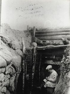 French trench. tranchée française