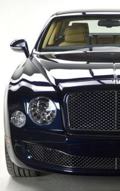 This 2014 Bentley Mulsanne is one of the Premier Specification examples, a very grand instance of the flagship Mulsanne indeed! Click for more details #spon - LGMSports.com