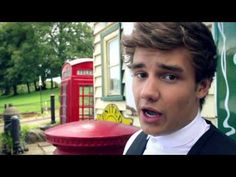 One Direction - Behind the scenes at the photoshoot - Liam